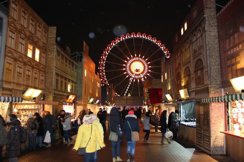 De Kerstmarkt Berliner Weihnachtszeit heeft een ouderwetse uitstraling (© Enjoy-Berlin.nl)