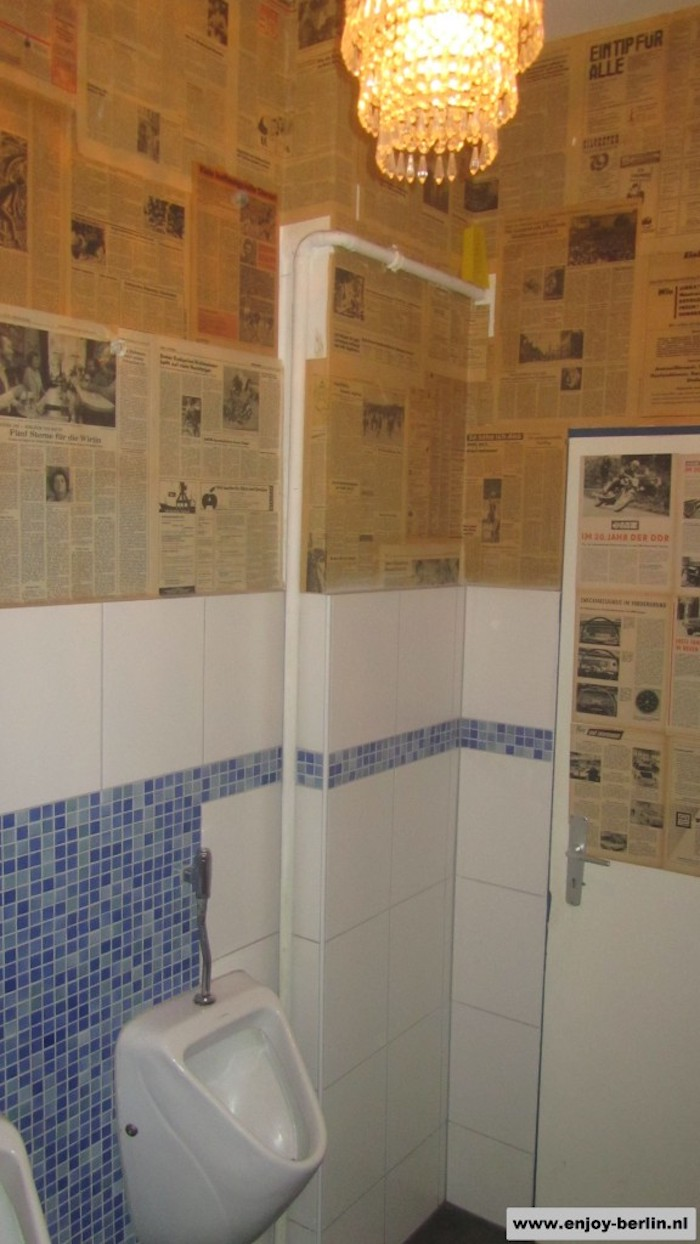 Toilet newspapers